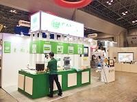 https://iishuusyoku.com/image/東京ビックサイトで開催している環境展に今年も参加!会場では、営業スタッフがお客様に商品の説明をしています!