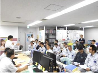 オフィスは上野の駅前!部署内、社内は年齢差はありますが、明るく活気が溢れています。