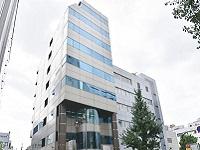 http://iishuusyoku.com/image/オフィスは「大久保」駅からすぐの自社ビル。「新宿」駅からも歩ける距離で、通勤便利な環境です。