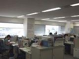 https://iishuusyoku.com/image/オフィスは三宮。最寄りの駅から徒歩1分の好アクセス!非常にお洒落で綺麗なビルです♪オフィスの窓からは、神戸の町を一望できます。