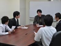 http://iishuusyoku.com/image/社内の打ち合わせの様子です。より良いサービスを提供できるよう、エンジニアも日々課題意識を持って業務に取り組んでいます。