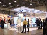 https://iishuusyoku.com/image/扱うのは業界向け機器・資材が主な商品。範囲は半導体から造船、医療、食品など多岐に渡ります。(写真は展示会の様子です)