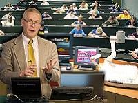 http://iishuusyoku.com/image/大学の講義を収録して配信。就職活動を理由に授業に出席できない学生に向けての学習支援にも貢献しています。