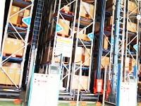 https://iishuusyoku.com/image/安定供給を実現するため、自社倉庫の中には、フィルムや塗料をいつでも在庫を切らすことなく取り揃えています!