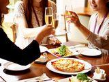 同社は日本で初めて冷凍ピザを販売し、一大ブームを巻き起こしました。