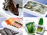 https://iishuusyoku.com/image/野菜・果物・魚介は産地から日本全国に配送されますが、いずれも鮮度は不可欠。生け簀のように魚を生きたまま運べる技術もあります。