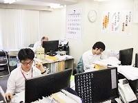 https://iishuusyoku.com/image/営業の役割は、お客様との窓口だけでなく、受注した仕事を完遂するための舵取り・調整役であること。