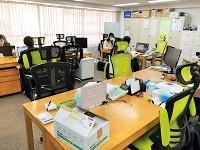 http://iishuusyoku.com/image/秋葉原にある本社オフィス。木製の温かみのある家具が配置され、落ち着いて働ける空間になっています。