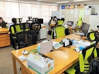 https://iishuusyoku.com/image/秋葉原にある本社オフィス。木製の温かみのある家具が配置され、落ち着いて働ける空間になっています。