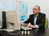 https://iishuusyoku.com/image/明るい性格で社員から慕われている社長。月に数回、神奈川営業所でデスクを並べて仕事をします!