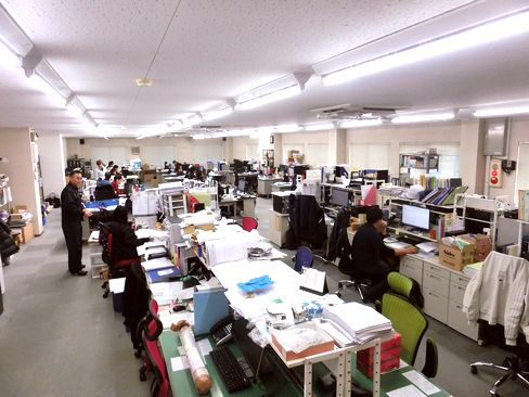 http://iishuusyoku.com/image/何でも気軽に意見交換できる風通しのいい社風が自慢。他部署との連携も取りやすく、社内では業務が円滑に進むよう、お互いの仕事内容を把握するなど、協力し合う雰囲気があります。