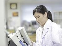 https://iishuusyoku.com/image/血液ガス分析装置は、生命の危機に直面している緊急患者の血液検査に使用されます。