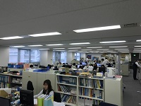https://iishuusyoku.com/image/社内は明るく広々!窓が多く、気持ちの良い環境で仕事をすることができますよ!