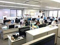 https://iishuusyoku.com/image/営業・総務の方は同じフロアで働いています。お客様満足を第一に日々邁進しています。