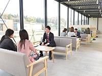 http://iishuusyoku.com/image/明るいカフェのような店内です!スタッフの半数以上が、野田市出身or野田市在住の野田のスペシャリストです。