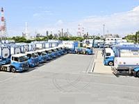 https://iishuusyoku.com/image/ISOタンクコンテナー・ローリー・高圧ガスタンクローリーを使った、あらゆる化学品のトラック運送をお手伝いしています。