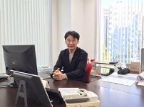 https://iishuusyoku.com/image/物腰柔らかな同社の社長。クリエイティブや広告業界に興味のある方をぜひお待ちしております!