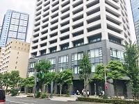 https://iishuusyoku.com/image/西新宿の高層ビル街にある同社のオフィス。通勤便利、オシャレなオフィスで働くことができますよ!