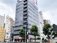 https://iishuusyoku.com/image/オフィスは新宿三丁目駅・新宿御苑前駅からすぐ。新宿駅からも徒歩圏内で通勤便利な立地です!