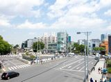 https://iishuusyoku.com/image/電柱が立ち並ぶ街並みは、日本人なら馴染み深い風景ですよね。よりよい社会を目指して日々製品開発に取り組む同社の仕事は、非常に社会貢献度が高いんです。