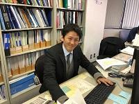 http://iishuusyoku.com/image/いい就職プラザから入社した先輩。意匠設計とは、緻密で幅広い知識を要求される職種。じっくり教えますので、焦らず安心してくださいね。
