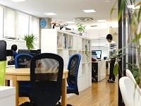 快適なオフィスと社員一人ひとりを大切にする温かい社風の同社で、あなたもエンジニアとしての第一歩を踏み出してみませんか?