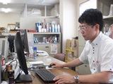 "http://iishuusyoku.com/image/経験豊富な営業の先輩。面倒見の良い社員さんばかりです。他拠点では""いい就職.com""から入社された先輩も活躍中!"