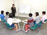 """http://iishuusyoku.com/image/生徒との距離が近い""""6名のグループ学習""""だからこそ、指導の結果を笑顔として感じられる大きなやりがいです!"""