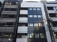 https://iishuusyoku.com/image/本社ビルは最寄り駅から3分で着く好立地◎アクセスしやすい場所なので客先常駐している社員さんも良く立ち寄るそうですよ。