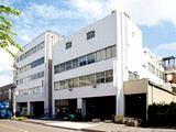 https://iishuusyoku.com/image/同社は創業以来100年近い経験と販売実績をもとに、大阪ものづくり優良企業賞も受賞しています。(写真:大阪本社)