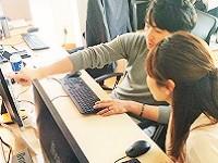 https://iishuusyoku.com/image/入社後まずは、先輩のアシスタントからのスタートです。一つひとつできる領域を増やしてステップアップしてくださいね。