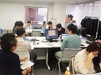 https://iishuusyoku.com/image/みんなで作る会社。月1回、土曜日に会議を開催。会社をよくしていくための議論を行い、経営陣へ提案します!