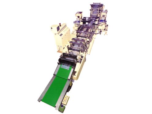 https://iishuusyoku.com/image/最新技術に対応した機械を製造!ここから、様々な商品を包装するオリジナルパッケージが生まれています。