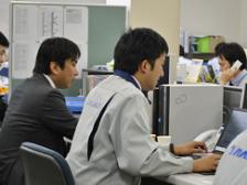 東証一部上場の総合物流会社グループ各社の業務システムの開発・運用・保守を担当しています。
