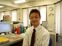 https://iishuusyoku.com/image/営業の先輩です。最初は覚えることが多いですが、自分の提案次第で顧客のメリットの大きさが変わりますのでやりがいがありますよ!