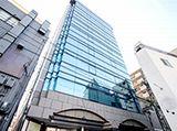 勤務地となる大阪本社の外観です。人気の梅田エリアからも徒歩圏内!複数路線駅から近く、通勤にもとても便利!ビジネス街の中心地で働けますよ♪