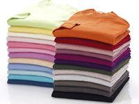 天然素材のミセス向けの洋服を自社で企画し、百貨店向けに販売しています。