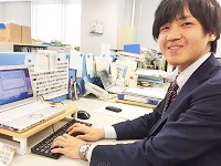 http://iishuusyoku.com/image/教育担当となる営業職の先輩です。化学の知識と語学を活かせる仕事を探して同社に入社されたそう!