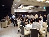 https://iishuusyoku.com/image/社員全員で集まって暑気払いを行いました!おいしい食事を楽しみながら、会話が弾みます!