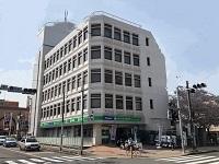 日本IBMをはじめする優良企業を主要取引先とし、安定した成長を遂げている堅実経営のソフトウェア会社です。