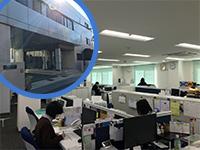 https://iishuusyoku.com/image/オフィスの風景です!新社屋になってオフィス内は非常に綺麗な環境で、他部署の社員との連携も取りやすくなりました!
