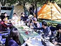 https://iishuusyoku.com/image/仕事はきっちりとし、遊びは目一杯楽しむ。様々な食事を楽しみ、コミュニケーションを深めています!