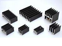 https://iishuusyoku.com/image/自社製品のヒートシンク(放熱器)。全てをISO9001/ISO14001認定を取得した中国自社工場で製造しています。