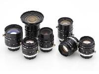 <知る人ぞ知る優良企業> 400種類を越える高機能レンズは、みなさんもご存知の大手メーカーに利用されています!