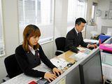 https://iishuusyoku.com/image/東京支店のオフィスの様子です。ほとんどのメンバーが中途入社です。少数精鋭の組織ですから、お互いに協力しながら仕事を進めていきましょう。