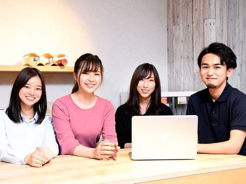 https://iishuusyoku.com/image/エンジニアとのコミュニケーションも営業の大事な仕事の1つ。プロジェクトで安心して働いてもらえるようフォローを重ねます。