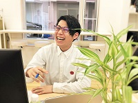 https://iishuusyoku.com/image/個々で課題を抱え込まず、チームで考えながら解決していきます。互いにアイデアを出し合い、最良な解決案を模索していきます。