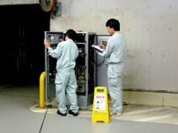 http://iishuusyoku.com/image/駐車場が円滑に運営できるよう、定期的な点検が大事!現場で見て触れて、技術を身につけてください。