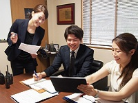 https://iishuusyoku.com/image/和やかでアットホームな社風。社員同士が協力し合いながら仕事を進めています!