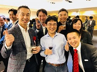 著名な取締役クラスの方々が登壇するイベントを主催!写真は、同社代表と、サイバーエージェントの曽山氏、元DeNAの小林氏が一緒に写っています!